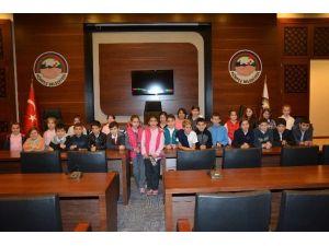 Öğrenciler Körfez Belediyesini Ziyaret Etti
