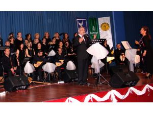 Kursiyerlerden Türk Halk Müziği konseri