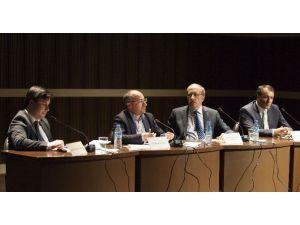 Türkiye'de Yeni Anayasa Arayışları Ve Hükümet Sistemi Tartışmaları