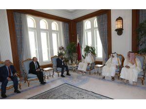 Davutoğlu, Katar Emiri ve Başbakanı ile görüştü