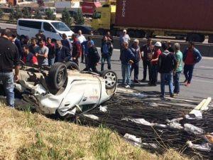 Tır'dan Düşen Demirlerden Kurtulmak İsteyen Araç Takla Attı: 1 Yaralı