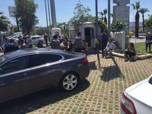 AK Parti İzmir İl Binasında Zehirli Gaz Alarmı