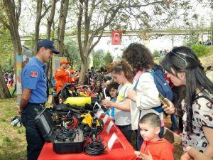 Jandarma'dan GATA'da Çocuk Bayramı Standı