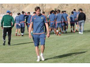 """Guıdou Koçer: """"Play-off'larda Olmak İstiyoruz"""""""