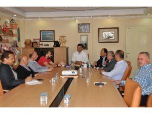Başkan Yücel, Turizmcilerle Değerlendirme Toplantısı Yaptı