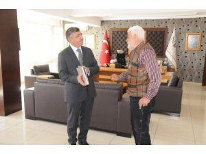 Yeşilçam'ın Emektarı İhsan Gedik'ten Başkan Akdoğan'a Ziyaret