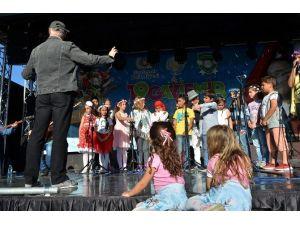 Gaziemir Çocuk Şenliğinde Foça Çocuklarının Coşkusu