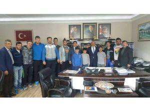 Sporculardan Başkan Oral'a Teşekkür Ziyareti