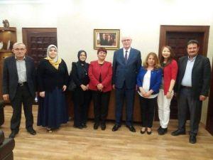 MHP'li Kadınlardan Başkan Kur'ta Ziyaret