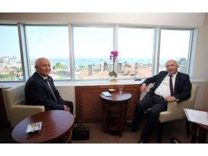 Başkan Altınok Öz'e Afyonkarahisar Dernek Başkanı'ndan Ziyaret