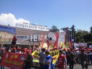 İzmir'deki Siyasi Partiler 1 Mayıs'ta Alanlarda Olacak