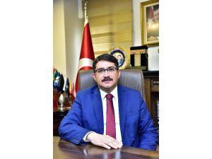 Başkan Çelik, 1 Mayıs İşçi Bayramı'nı Kutladı