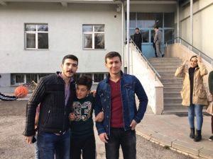 Ziraat Fakültesi Öğrencilerinden Atatürk Yetiştirme Yurdu'na Anlamlı Ziyaret