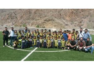 Van Fenerbahçe Futbol Okulu Çatak'ta
