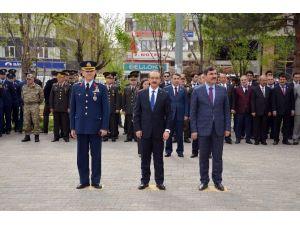Askerler 'Şehitler Ölmez, Vatan Bölünmez' Sloganları Attı