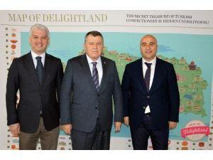 """Yargıtay Başkanı Cirit: """"İnsan Varlığının En Somut İfadesi Sanattır"""""""