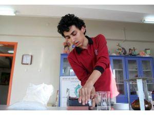 5 Bin Liraya 'Sınıf Mikrotomu' Yaptı