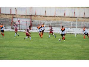 Kadınlar Futbol 2. Lige Terfi Müsabakasında Maraşgücü Tur Atladı