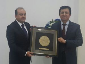 Ekonomi Bakan Yardımcısı Fatih Metin Ahmet Yesevi Üniversitesi'nde