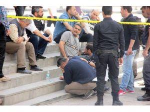 Polisler, Şehit Ve Yaralı Arkadaşları İçin Gözyaşı Döktü