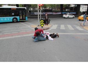 Mecidiköy'de Pankart Açan 2 Kişi Gözaltına Alındı