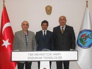 Gazeteci-yazar Karahan'dan TSK Mehmetçik Vakfı'na Ziyaret