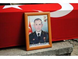 """Şehit Babası:""""biz Askeriz, Bin Tane Evlat Feda Olsun Ülkemize"""""""