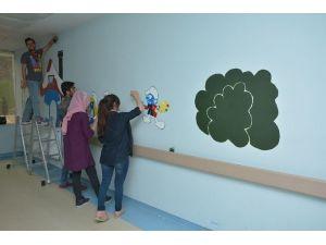 YYÜ Öğrencilerinden Çatak Devlet Hastanesine Anlamlı Destek