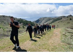 Gümüşhaneli Dağcılar Aynı Günde 5 Ayrı Zirveyi Aştılar