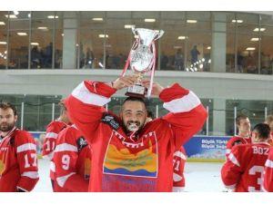 Buz Hokeyinde Şampiyon Zeytinburnu Belediyesi