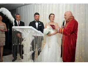 Başkan Altınok Öz, Genç Çiftlerin Nikahını Kıydı