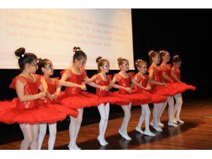 DÜ, Dünya Dans Gününü Kutladı