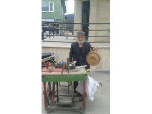 88 Yaşındaki Bekir Dede Tarihi Yaşatıyor