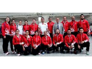 Ay-yıldızlı Karateciler Fransa Yolcusu