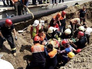 Manisa'da hastane inşaatında göçük: 3 yaralı