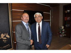 Başkan Karaçanta, İHA Muhabiri Çapanoğlu'nu Makamında Kabul Etti