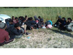 Edirne'de 44 kaçak ile 4 organizatör yakalandı