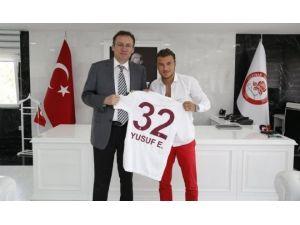Trabzonsporlu Yusuf Erdoğan, SDÜ'yü tercih ediyor