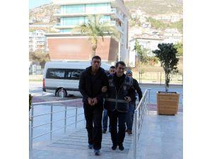 Alanya'da silahlı saldırı şüphelileri teslim oldu
