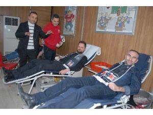 Beşiktaşlılar kan bağışında bulundu