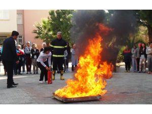 Öğrenci yurdunda yangın ve deprem tatbikatı