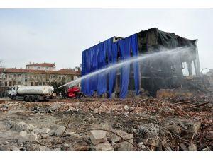 Maltepe Havagazı Fabrikası'nda yıkım işlemleri