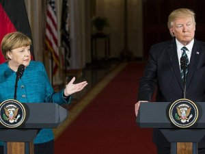 Trump'ın Merkel'in elini sıkmaması ABD'de günün konusu