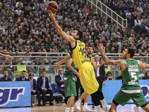 Fenerbahçe Avrupa'da büyük avantaj yakaladı