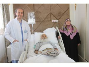 Almanya'da ölüme terk edilen hasta Türkiye'de sağlığına kavuştu