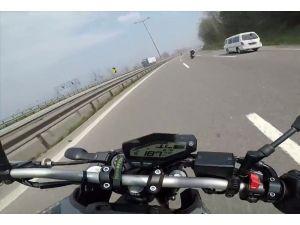 TEM'de motosikletlilerin yaptığı kaza kamerada