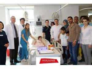 Suriyeli minik Meryem sağlığına kavuştu