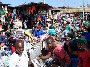 Kenyalılar Batı'nın ikinci el kıyafetini giyiyor