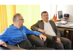 Veli Ağbaba, Evkur Yeni Malatyaspor'u tebrik etti
