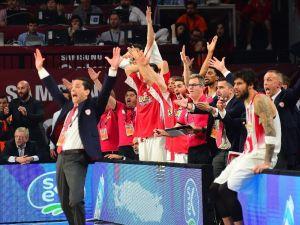 İlk finalist Olympiakos